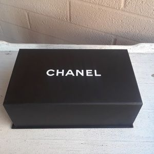 Chanel Magnetic Purse Box
